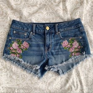 American Eagle | Embroidered Floral Jean Shorts